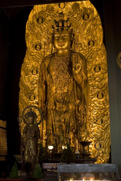 Foto van Giant golden Kannon statue at Hase-dera temple - Japan - Azië