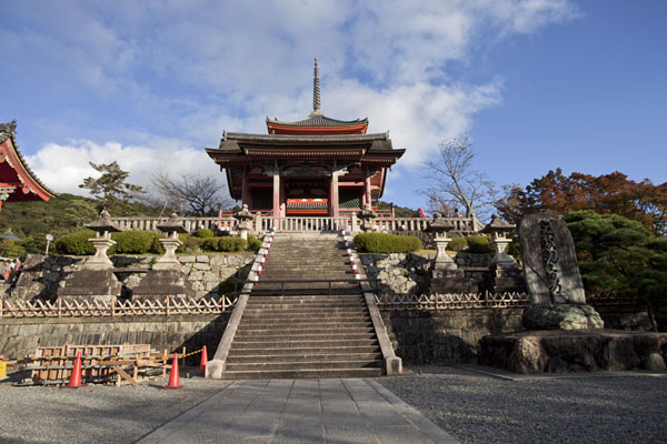 Looking up the stairs leading to the West Gate with the Three Storied Pagoda in the background | Kiyomizu-dera | Japan