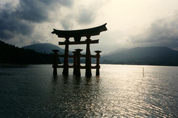 The floating torii of Itsukushima Shrine, also known as Miyajima | Miyajima | Japan