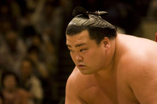 Foto di Sumo wrestler about to strikeTokio - Giappone
