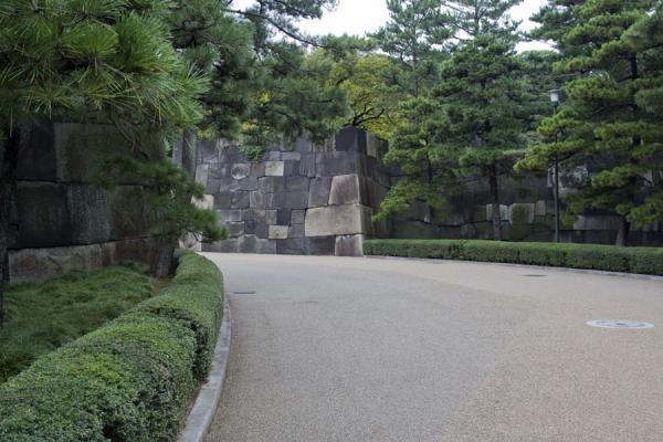 Picture of Imperial Gardens (Japan): Road leading into the East Imperial Gardens near Ote-mon Gate