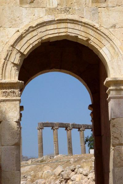 Looking through the South Gate | Jerash | Jordan