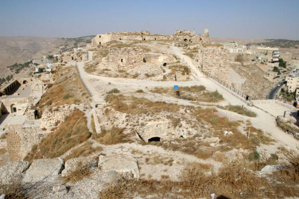 View over Kerak Castle and town from the South Front | Kerak | Jordanië