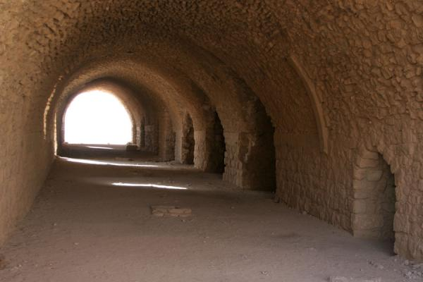 Photo de One of the wide passageways in Kerak CastleKerak - Jordanie