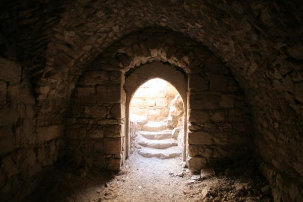 Arch and stairs in one of the many underground tunnels | Kerak | Jordanië
