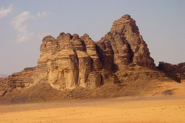 Foto di Wadi Rum: one of the jebels in the desert - Giordania - Asia