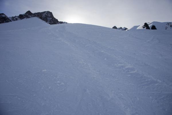 Picture of Shymbulak skiing (Kazakhstan): Snow on the mountain between the Greben and Asiasa slopes