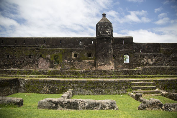 Picture of Fort Jesus (Kenya): Ruins of barracks with the eastern wall of Fort Jesus