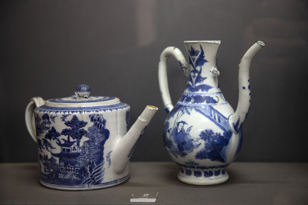 Foto van Chinese ceramics salvaged from a Portuguese shipFort Jesus - Kenia