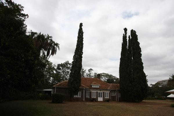 Karen Blixen house with trees | Karen Blixen huis | Kenia