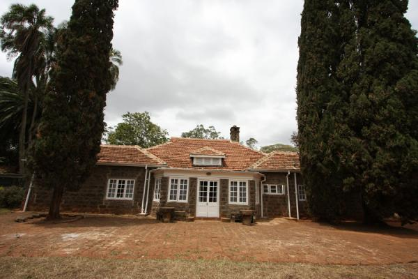 Foto van Karen Blixen house seen from the backKaren - Kenia