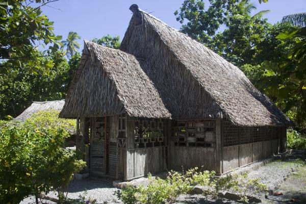 Traditional I-Kiribati style church in the south of Abaiang | Atol de Abaiang | Kiribati