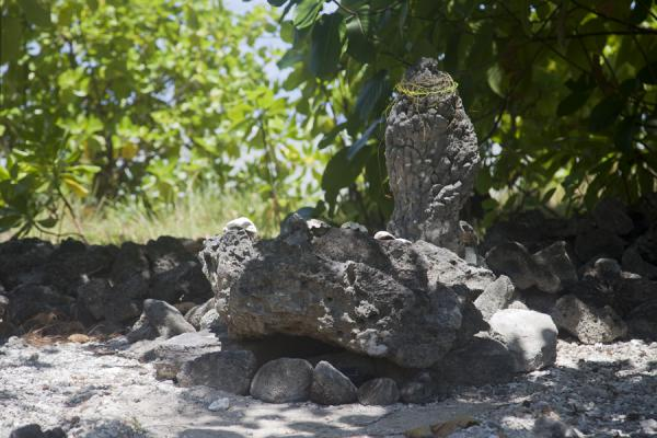 Foto van Nei Arauri has a shrine on the northern tip of Abaiang islet - Kiribati - Oceanië