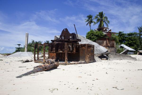 Temakin Point with Japanese gun and bunker | Battle of Tarawa relics | Kiribati