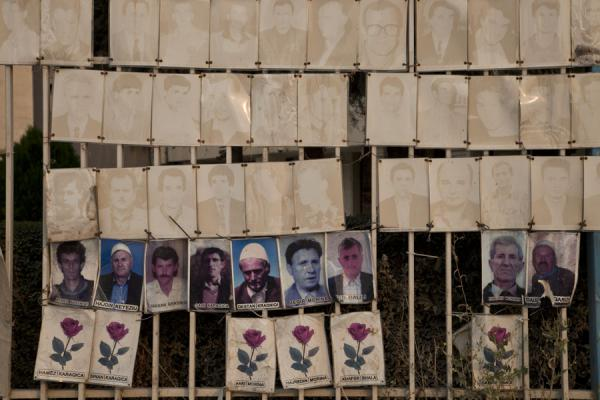 的照片 Pictures of the disappeared in the city centre of Pristina, reminding the visitor of recent history - Kosovo