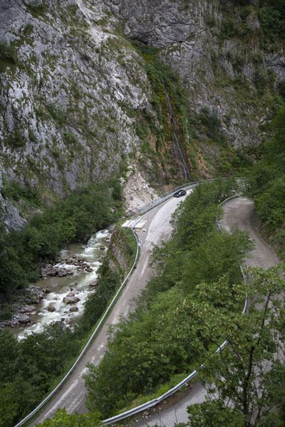 Foto van The zig-zags at the narrowest part of Rugova canyonRugova - Kosovo