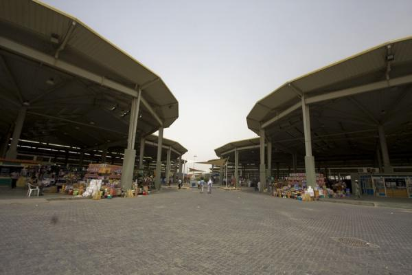 The stalls at the Friday Suq are all covered | Kuwait Friday Suq | Koeweit