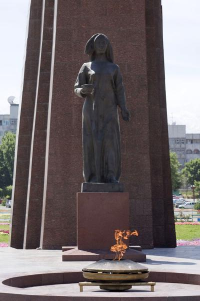 Picture of Victory Monument (Kyrgyzstan): Female figure and eternal flame at the Victory Monument