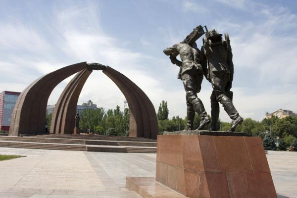 Picture of Victory Monument (Kyrgyzstan): Walking soldiers represented in the Victory Monument