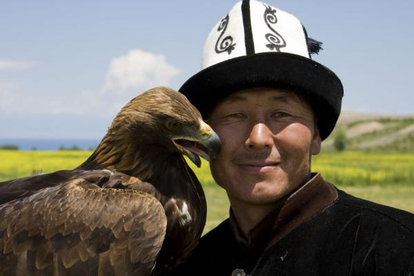 Close-up of Talgar and Tumara | Eagle hunting | Kyrgyzstan