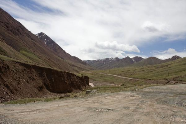 Picture of Kyzyl-Art pass road in no mans-land on the Kyrgyz side