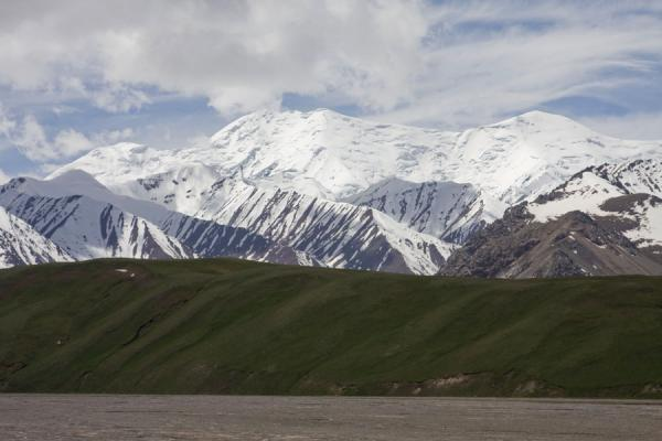 The high mountains near the Kyzyl-Art border crossing | Kyzyl-Art border crossing | Kyrgyzstan