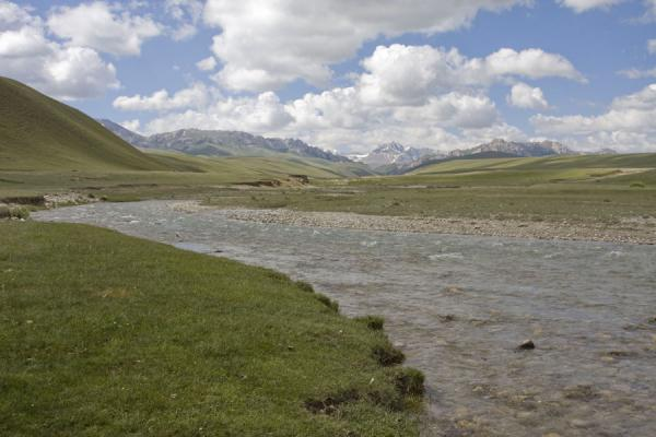Picture of Torugart border crossing (Kyrgyzstan): Landscape on the way to Torugart: river