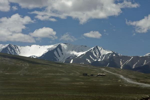 Picture of Torugart border crossing (Kyrgyzstan): Road through the Tien Shan mountain range, towards Torugart