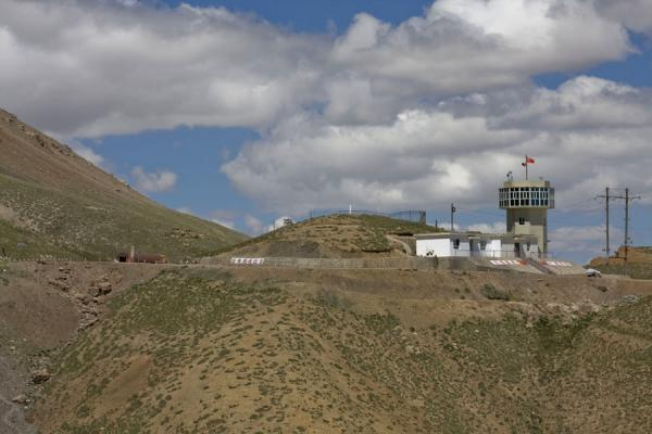 Picture of Torugart border crossing (Kyrgyzstan): View of the Chinese side of the Torugart border crossing