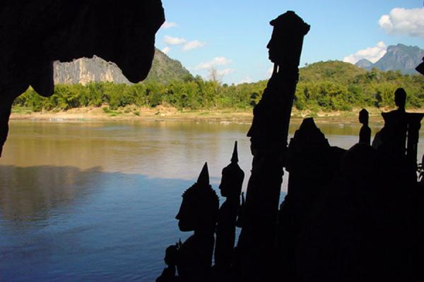 Picture of Laos Buddha statues (Laos): Buddhas in Pak Ou caves near Luang Prabang