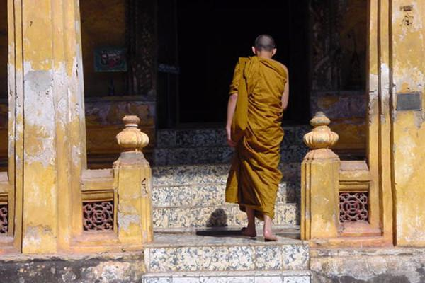 Entering a temple | Laos Buddhist Monks | Laos