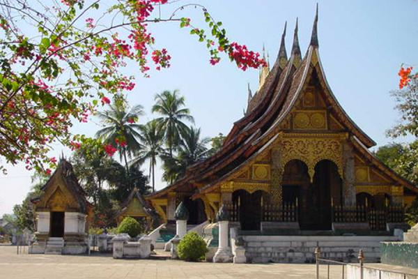 Picture of Main templeWatxiengthong - Laos