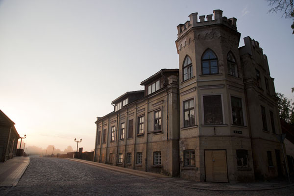 Foto van Letland (Warm morning glow over one of the remarkable buildings of Kuldīga)