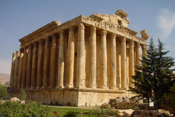 Foto di The so-called Temple of Bacchus is the best preserved Roman templeBaalbek - Libano