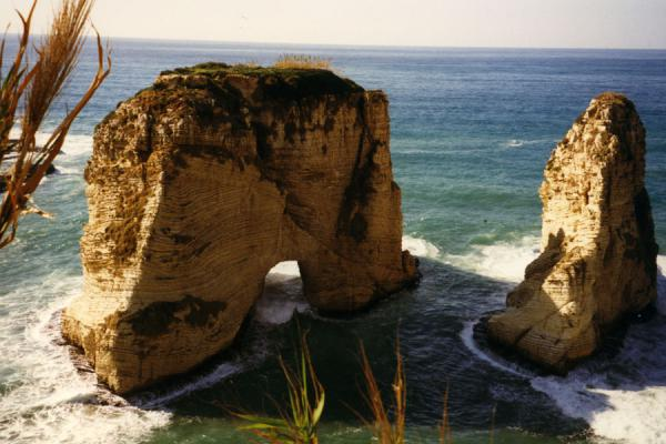 Photo de These rocks were and remain the landmark of the cityBeyrouth - Liban