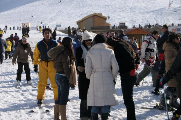 Foto di Many visitors to the area are not interested in skiing at allFaraya Mzaar - Libano