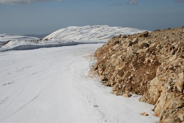 Rocks on one side, snow on the other: going down one of the better slopes of Wardé | Faraya Mzaar Skiing | Lebanon