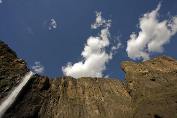 Looking up the canyon: Maletsunyane Falls and steep rock face | Maletsunyane Falls | Lesotho