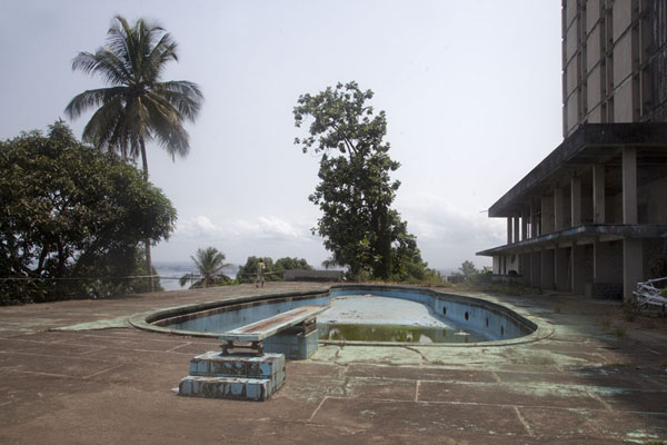 Picture of Ducor Palace Hotel (Liberia): Gone are the days when you could go for a refreshing swim in this pool