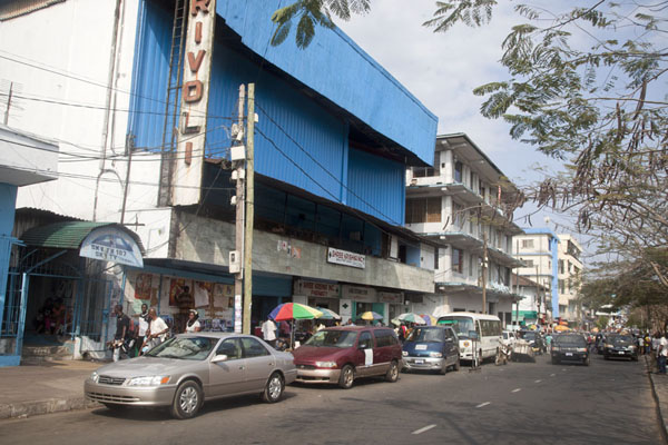 Photo de The Rivoli cinema in Broad Street, MonroviaMonrovia - Libéria
