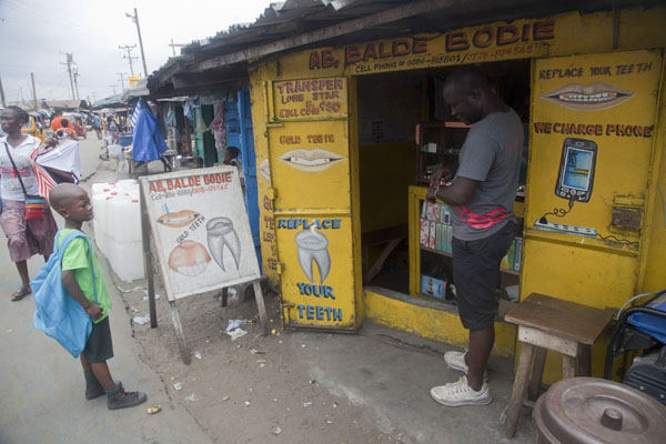 Foto di Gold teeth shop, also selling other things, in West Point - Liberia - Africa