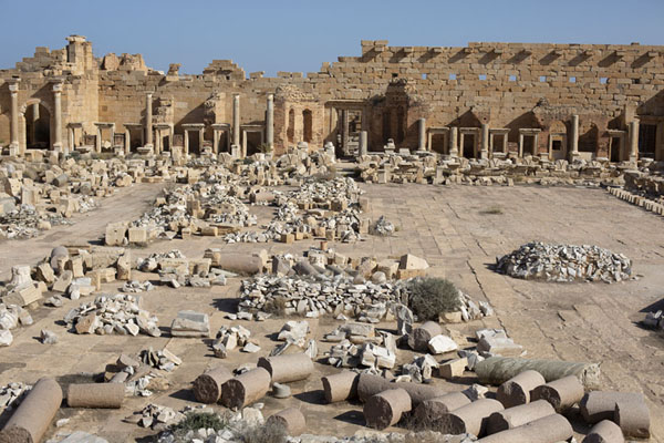 Photo de Overview of the Severan Forum of Leptis Magna - Libye - Afrique