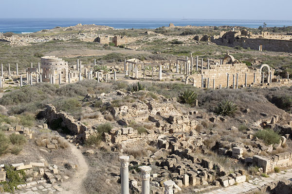 View over the northern part of Leptis Magna from the top of the theatre - 利比亚