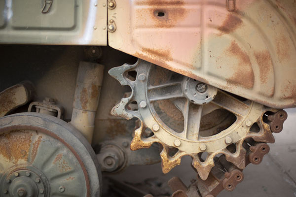 Foto van Close-up of wheel of a tank used in the 2011 war by Gaddafi troopsMisrata - Libië