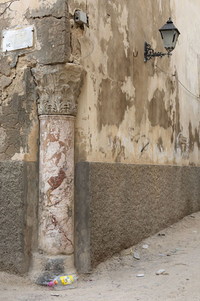 Picture of Old Tripoli (Libya): Roman column marking a corner in the old part of Tripoli