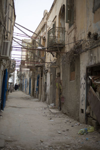Empty street in the old part of Tripoli | Oud Tripoli | Libië
