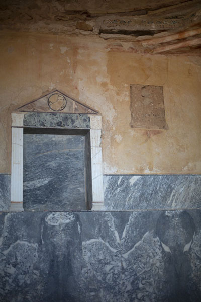 Room in Villa Selene with marble and carvings near the ceiling | Villa Selene | Libya