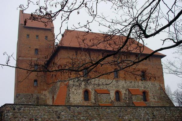 One of the main buildings | Chateau Trakai | Lituanie