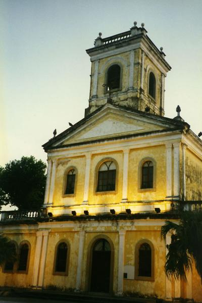 Foto de Typical colonial Portuguese building in Macau - Macau