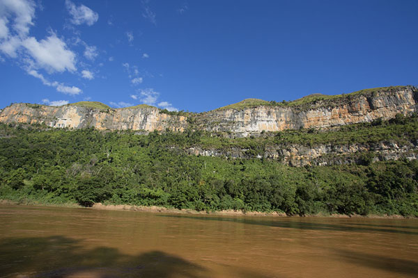 Foto di Cliffs in the Manambolo gorgeManambolo - Madagascar